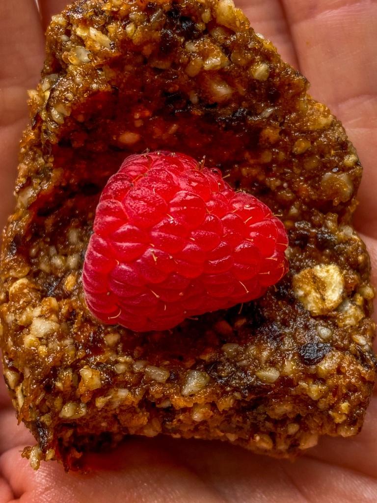 energy bites raspberry
