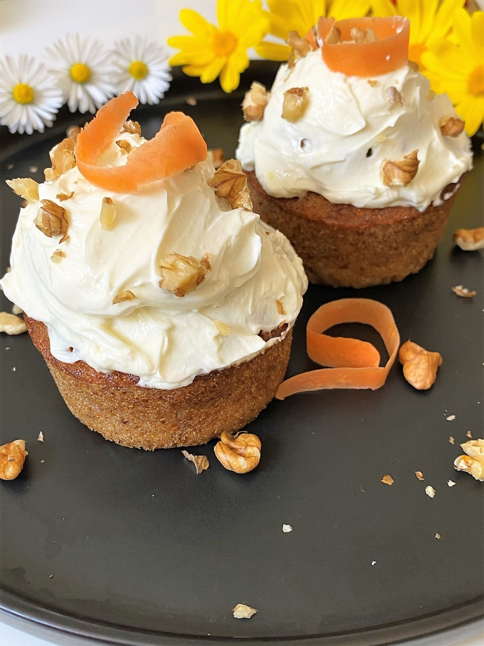 Carrot cake cupcake picture